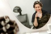 laura_curlers_mirror