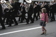 girl_with_marching_band